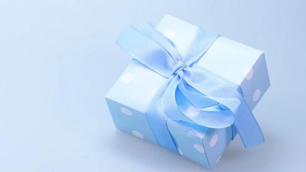 Три простых и красивых идеи для упаковки подарков к 8 Марта