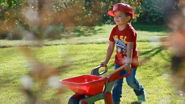 Детские песочницы, игрушки для игр с песком и горки - для летних игр!