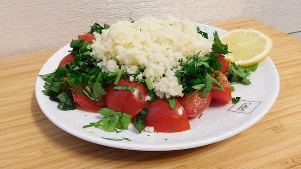 Табуле из томатов черри с кус-кусом