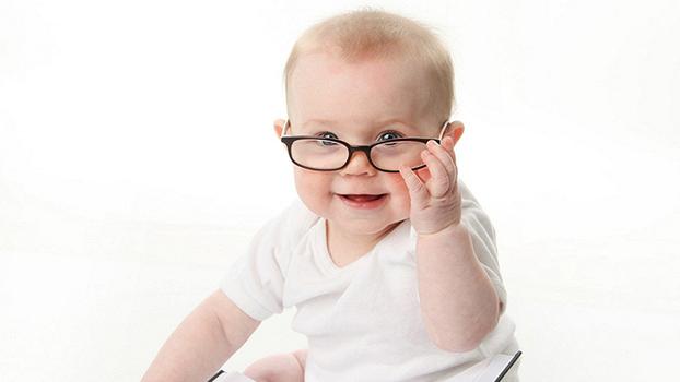 Как сохранить зрение детям и где получить вторую детскую оправу в подарок