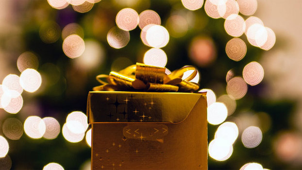 Новогодние подарки для женщин. Лучшие идеи 2019