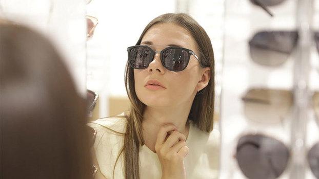 Рассказываем и показываем, какие солнцезащитные очки нужно покупать на распродажах