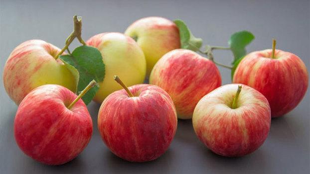 О пользе и мифах о пользе яблок