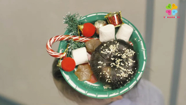 Прически на Новый год для девочек - поросенок, пончик и елочки из волос