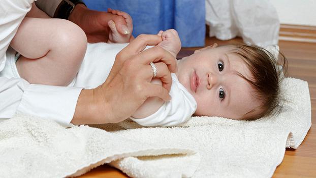 Массаж новорожденному при коликах