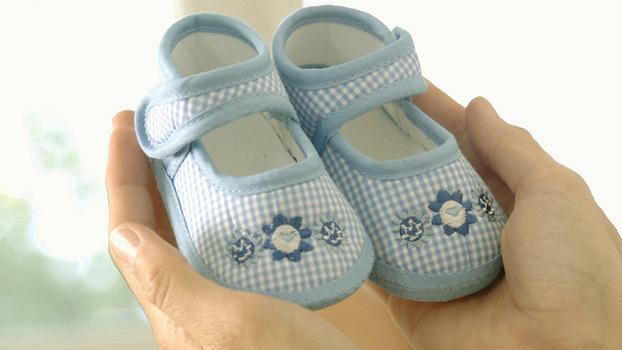 Первые шаги босиком или в ортопедической обуви? Мнение детского массажиста