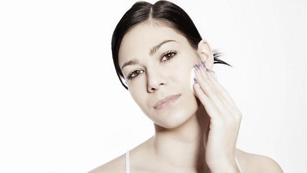 Снятие макияжа: полезные советы по уходу за лицом