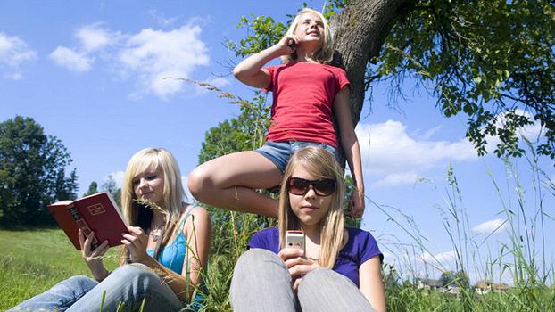 Легально и официально: как подростку заработать в каникулы