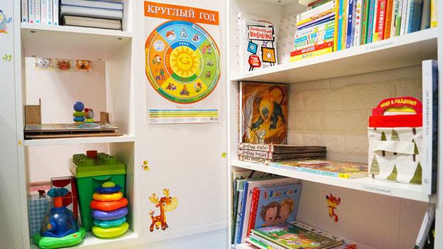 Детская комната по системе Монтессори: как развить в ребёнке самостоятельность?