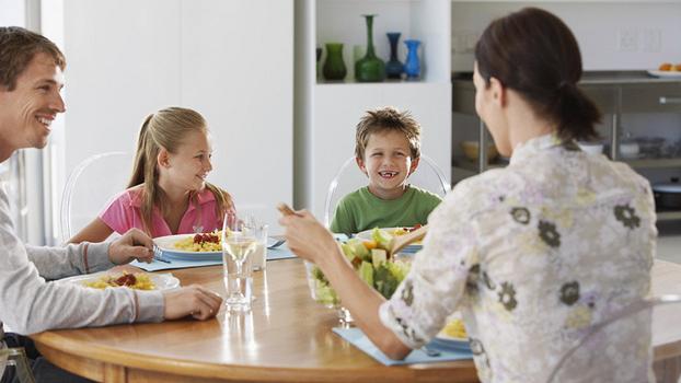 30 тем для непринужденного семейного ужина