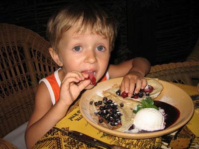 Чем кормить ребенка на ужин? Еда для спокойствия и крепкого сна