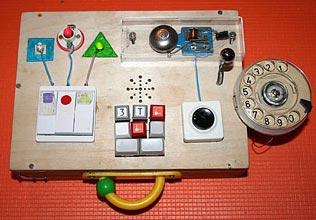 Вот как выглядит деревянный компьютер для маленького юзера