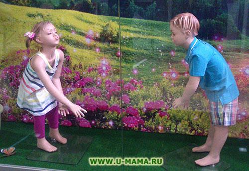 Играть в девочка подсматривает за мальчиком фото 802-799
