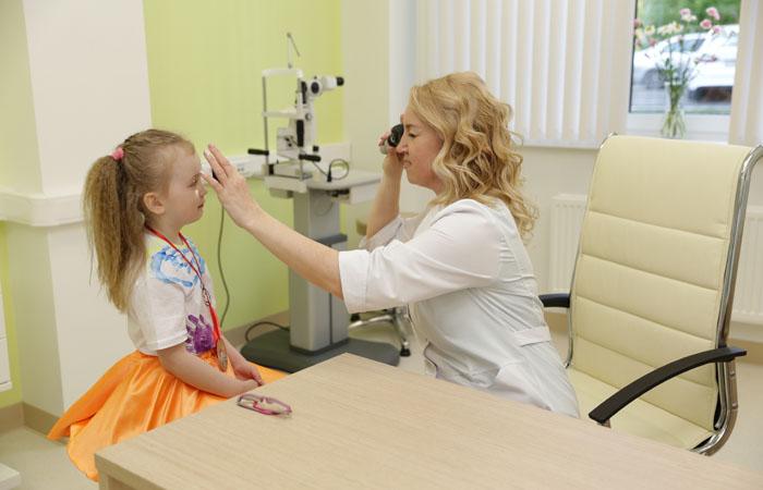 Когда впервые посетить офтальмолога?