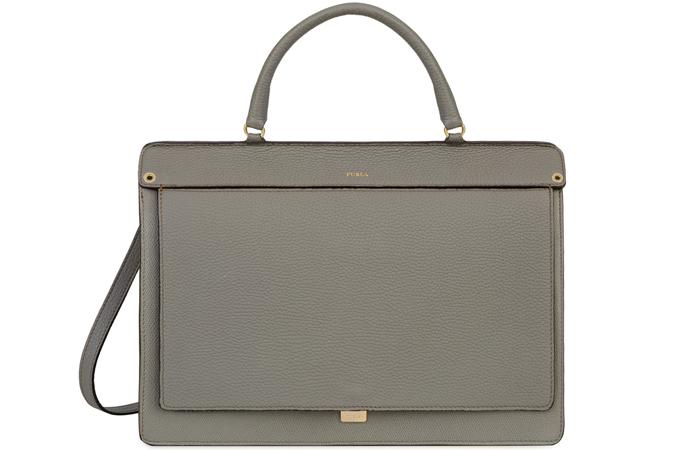 788babad7f43 Повторюсь, у каждого база своя, у бизнес-леди это будет деловая сумка, в  которую входит формат А4, а у мамочки это будет рюкзак.