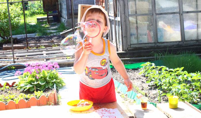 Давай поиграем! Три идеи с мыльными пузырями, чтобы развлечь ребенка