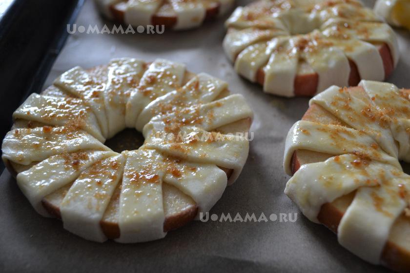 Яблоки в слоеном тесте - вкусный и простой десерт. Делаем вместе с детьми