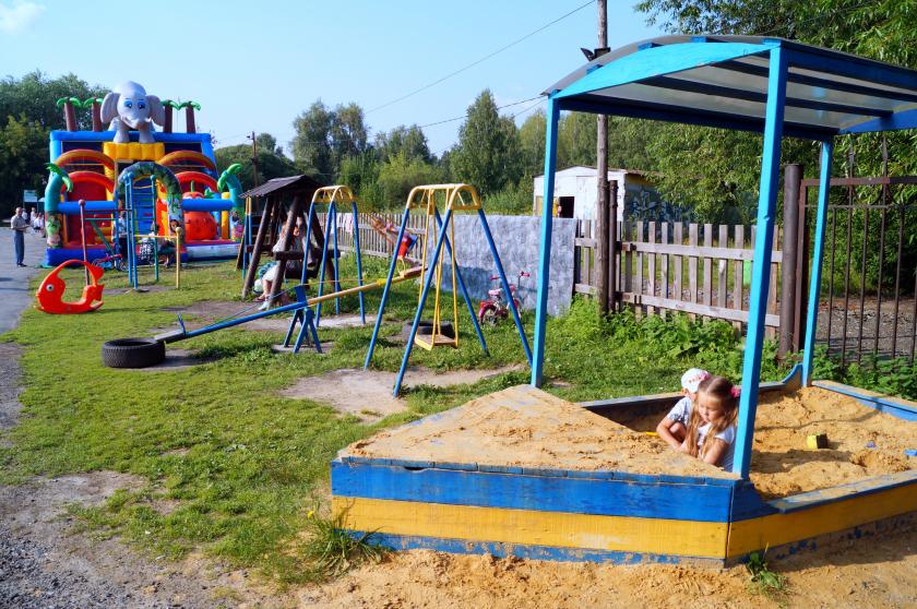 Детские площадки Екатеринбурга: Уралмаш, Химмаш, Ленинский и Октябрьский район