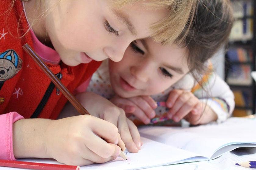 Когда, где и как лучше обменять путевку в детский сад