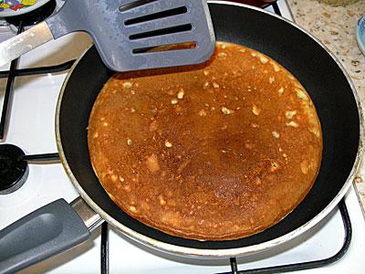 Что можно сделать вкусненькое из муки,молока,яиц и сахара....Чего-то хочется,а чего не знаю.