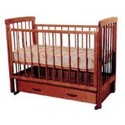 Кроватка детская с ящиком внизу