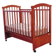 Кроватка детская, ножки - колеса